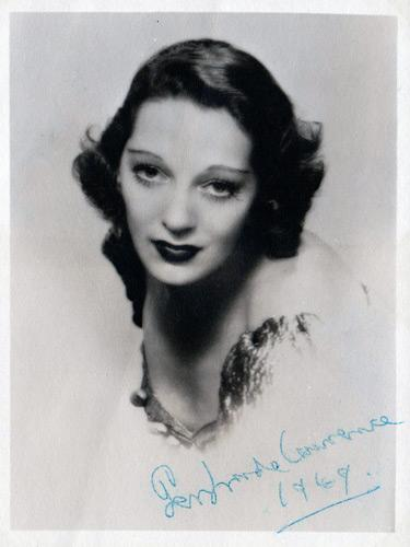 Gertrude-Lawrence-autograph-Gertrude-Lawrence-memorabilia-Noel-Coward-Gertie-Tonight-at-8-30-Private-Lives-Oh-Kay-Pygmalion-Eliza-Doolittle-Theatre-memorabilia