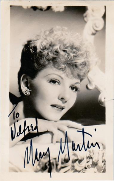 Mary-Martin-Hollywood-movie-theatre-stage-legend-autograph-signed-memorabilia-peter-pan-South-Pacific-Maria-von-Trapp-Sound-of-Music-legends-Annie-Get-Your-Gun