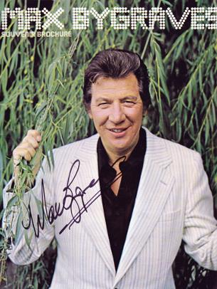 Max-Bygraves-autograph-signed-TV-memorabilia-souvenir-brochure-biography-television-singalongamax-tell-you-a-story-palladium-you-need-hands