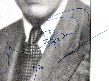Noel-Coward-autograph-Noel-Coward-memorabilia-signed-west-end-phoenix-theatre-memorabilia-Tonight-at-8-30-Gertrude-Lawrence-Red-Peppers-Shadow-Play-signature-1936