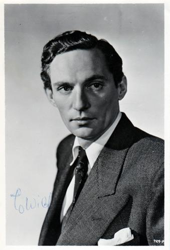 Peter-Finch-Hollywood-movies-film-legend-autograph-signed-photo-cinema-memorabilia-network