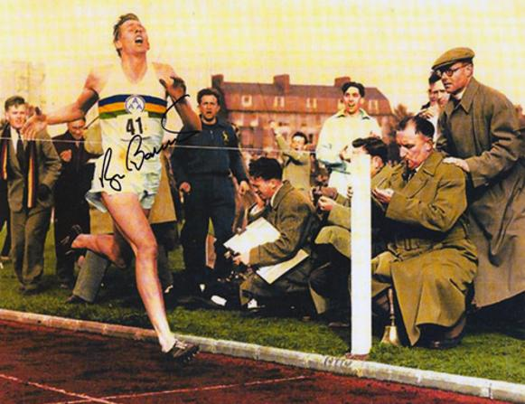 Roger-Bannister-signed-Athletics-memorabilia-sub-four-minute-mile-record-autograph-Sir-Iffley-road