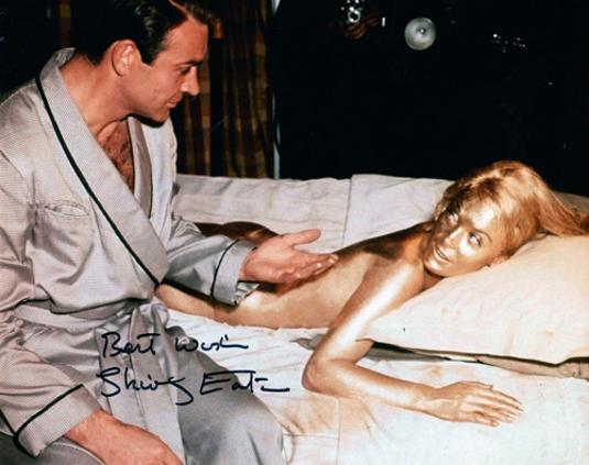 Shirley-Eaton-autograph-signed-james-bond-007-memorabilia-Goldfinger-jill-masterson-gold-paint-bed-room-carry-on-films-sean-connery-signature