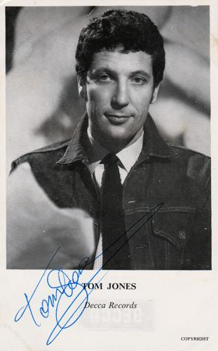 Tom-Jones-signed-music-memorabilia-singer-legend-autograph-the-voice-green-grass-of-home-delilah-Shes-a-Lady-Kiss-Sex-Bomb-Its-Not-Unusual-Whats-New-Pussycat